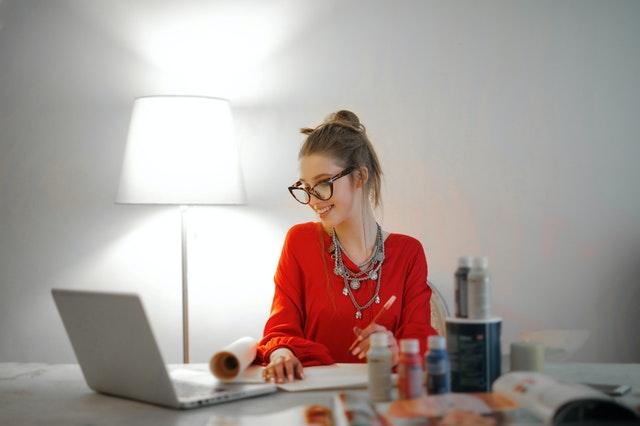 Communicatiecoach en loopbaancoach en zelfvertrouwencoach geeft tips om succesvoller te communiceren
