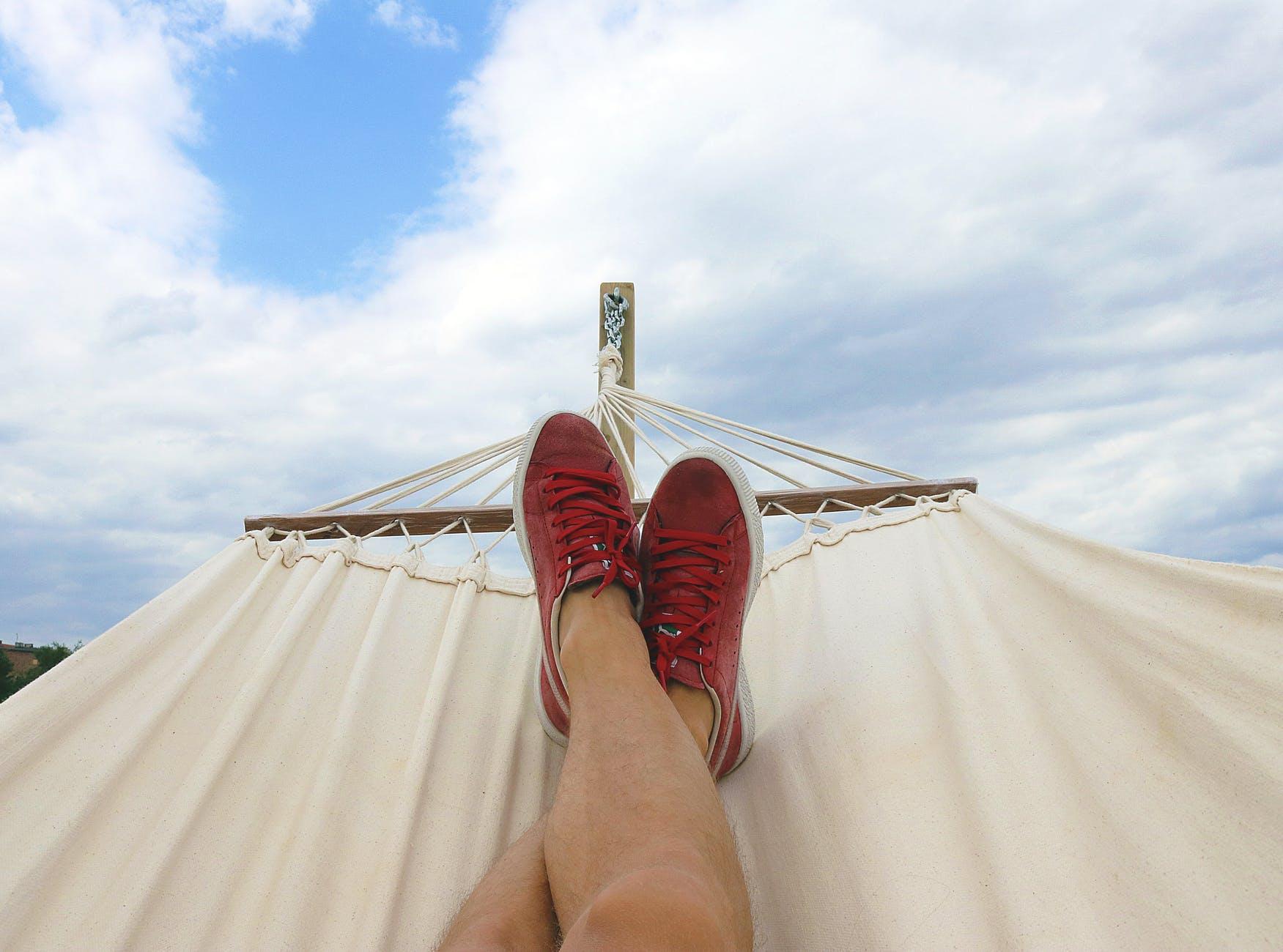 Geluk: 10 tips van mental coach en loopbaancoach en perfectionismecoach foto hangmat